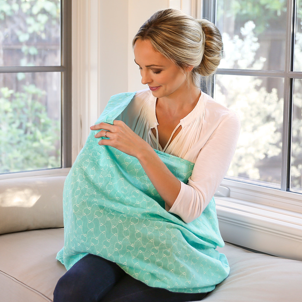 Bebe au lait muslin nursing scarf Bijou in use