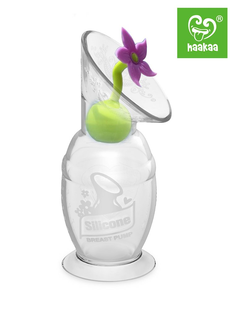 Haakaa Silicone Breast Plump Flower Stopper In Use